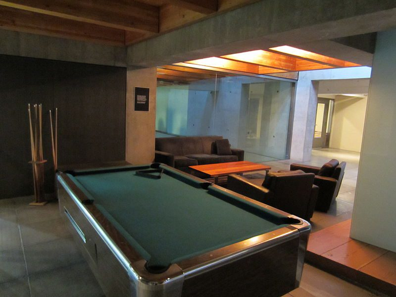 Ideas For Putting Together Your Dream Home Bar Or Game Room